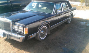 1989 Lincoln Town car with continental kit