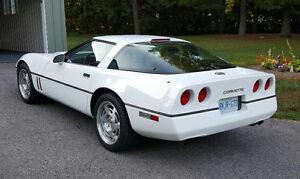 1990 Chevrolet Corvette Coupe (2 door)