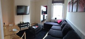 1 Large Double Bedroom in Student House - Available NOW or JAN - Room to Let, MUST VIEW