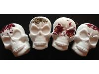 4 skull bath bombs