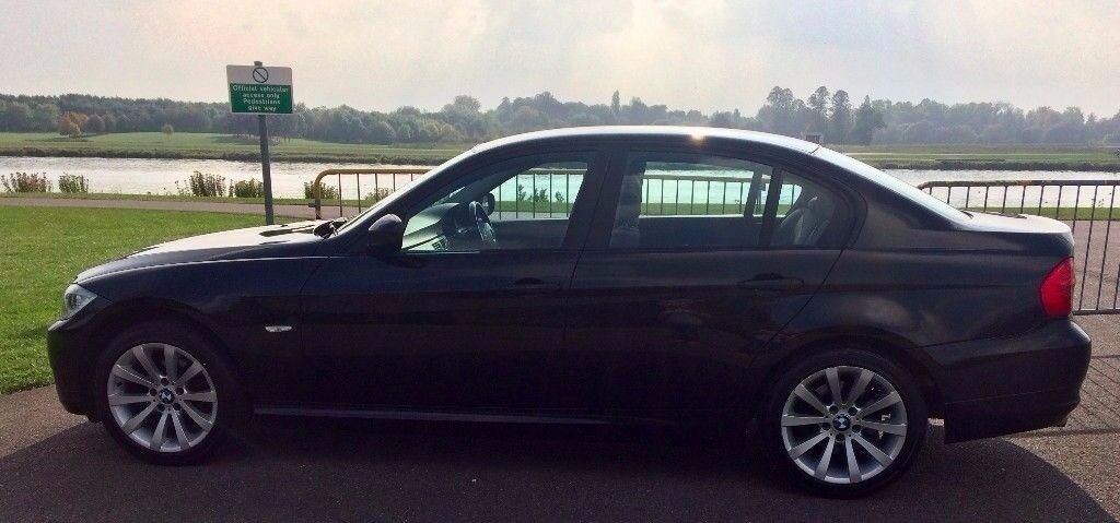 BMW 3 Series 2010 Immaculate Condition, FSH,Cruise Control,AUX,1 Year MOT, Parking Sensors