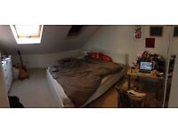 Spacious room in Tottenham for Short Term Rent - 26th Dec till 6th Feb - £700 UPFRONT/ALL IN