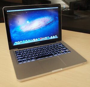 MACBOOK PRO 13'' SCREEN ---- GREAT CONDITION + CASE