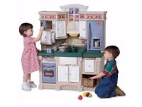 Little Tikes step 2 play kitchen in excellent condition