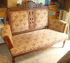 Gorgeous Antique 1910 Eastlake Love Seat