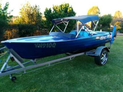 SKI BOAT Ford 302 windsor, with rego, heaps of spares