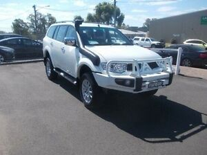 2010 Mitsubishi Challenger PB (KH) MY10 LS White 5 Speed Sports Automatic Wagon Dubbo Dubbo Area Preview