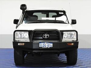2006 Toyota Landcruiser HZJ105R Upgrade (4x4) White 5 Speed Manual 4x4 Wagon East Rockingham Rockingham Area Preview