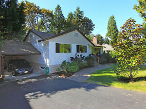 $3975(ORCA_REF#725B)***This immaculately kept 5 bedroom home is
