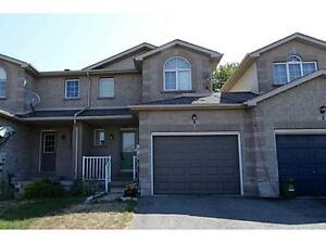 ~ Very Clean ~ Ideal Location ~ 3bdrm Town Home Barrie