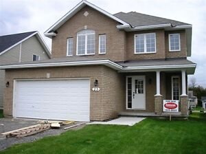 Beautiful 4 bedroom @ 25 Melville in Arnprior