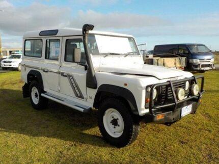 1995 Land Rover Defender  White 5 Speed Manual Wagon Pakenham Cardinia Area Preview