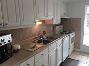 Absolutely Stunning 4 Bedroom Home In Clarkson X4025949 SE19
