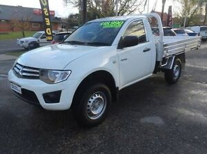 2011 Mitsubishi Triton MN MY12 GLX White 5 Speed Manual Cab Chassis Wodonga Wodonga Area Preview