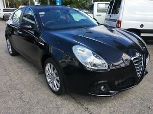 2013 Alfa Romeo Giulietta Distinctive TCT JTD-M Black 6 Speed Sports Automatic Dual Clutch Hatchback Wodonga Wodonga Area Preview
