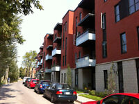 Amazing 1 bdr, Atwater Market, with indoor parking.