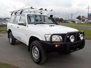2011 Nissan Patrol White Manual Wagon Pakenham Cardinia Area Preview