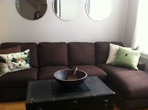 Couch with chaise lounger