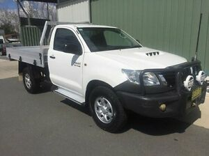 2011 Toyota Hilux KUN26R MY12 SR White 4 Speed Automatic Cab Chassis Wodonga Wodonga Area Preview