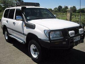 2000 Toyota Landcruiser HZJ105R RV White 5 Speed Manual Wagon Enfield Port Adelaide Area Preview
