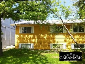 Side by Side on Grant, $1575.00, 4 BR + gas, hydro, water (K409)
