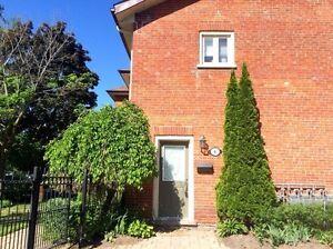 Beautiful 2-bedroom Condo in Belleville for rent!
