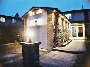 SIMPLY STUNNING! 3 BR END UNIT @ MEADOWVALE & SHEPPARD!