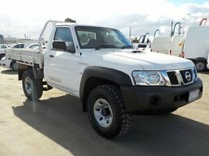 2011 Nissan Patrol White Manual Cab Chassis