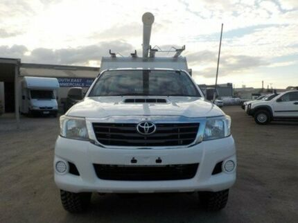 2011 Toyota Hilux White Manual Cab Chassis