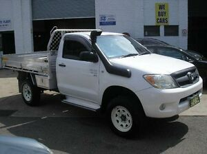 2005 Toyota Hilux SR White 2D CAB CHASSIS Woodbine Campbelltown Area Preview