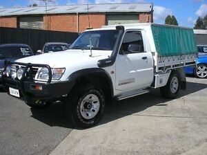 2002 Nissan Patrol GU ST White 5 Speed Manual 2D CAB CHASSIS Woodbine Campbelltown Area Preview