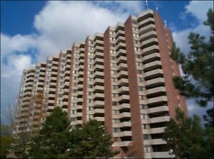 Meadowvale and 401 : 1 Dean Park Road, 1BR + Den