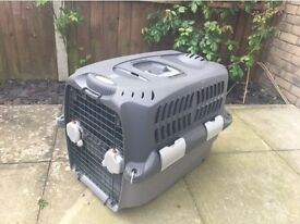 Dog/cat cargo carrier