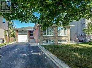 31 Palmer Ave Richmond Hill Ontario House for sale!