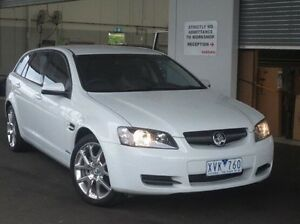 2010 Holden Commodore VE MY10 Omega Sportwagon White 6 Speed Sports Automatic Wagon Coolaroo Hume Area Preview