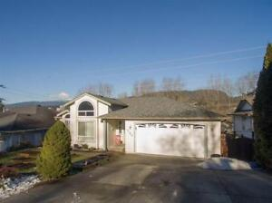 Coquitlam Upper Level House for Rent, 3BR + 2Bath