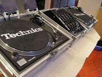 1210 Technics Decks Mark 2 With Case Excellent Condition ( Barely Used) £1,700