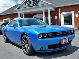 2016 Dodge Challenger R/T 6spd, Leather Heated Seats, Back-Up Ca