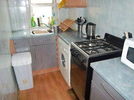 Spacious ground floor 3 bed flat within walking distance of both George Square and King's Buildings