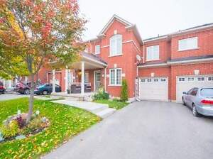 Spacious & beautiful TownHouse at Yonge in Newmarket