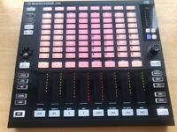 Native Instruments MASCHINE JAM + USB + Software licence Transfer