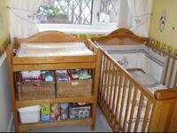 Mamas and papas cot/cot bed and changing unit