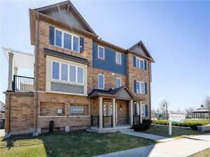 Bright And Spacious Approx 2000 Sq Ft 3+1 Bdrm Town House