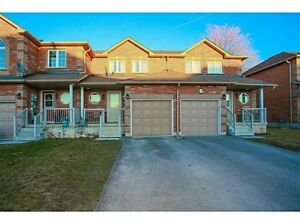 *** 3 BEDROOM TOWNHOUSE FOR RENT IN BARRIE $1700/mo ***