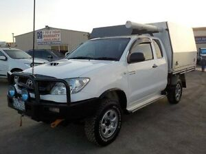 2009 Toyota Hilux White Manual Cab Chassis Pakenham Cardinia Area Preview