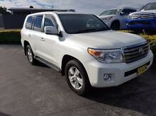 2014 Toyota Landcruiser VDJ200R MY13 VX (4x4) Silver 6 Speed Automatic Wagon Taylors Beach Port Stephens Area Preview