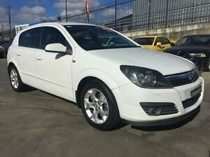 2006 Holden Astra AH MY06 CD White 5 Speed Manual Hatchback Fyshwick South Canberra Preview