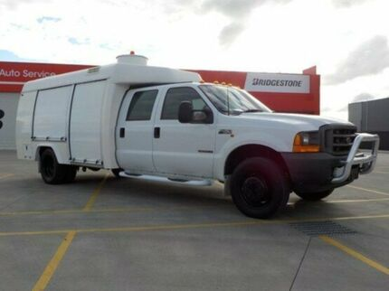 2001 Ford F450 White Automatic Cab Chassis