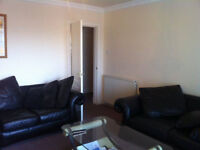 small room in blackford street 5 min walk to Kings Building -240 £ a month for student only
