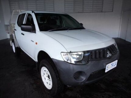2009 Mitsubishi Triton ML MY09 GLX Double Cab White 5 Speed Manual Cab Chassis Derwent Park Glenorchy Area Preview
